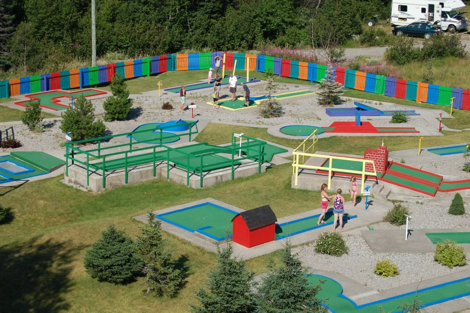 18-hole Mini-golf